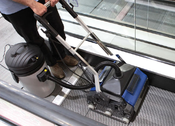 powerful vacuum attachment for escalator cleaning equipment