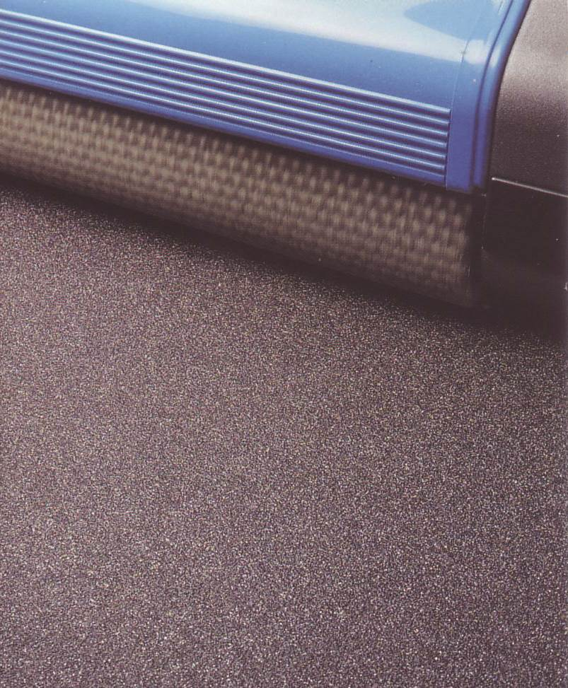 machine for safety floor surface cleaning, with wide span track, for quicker completion times