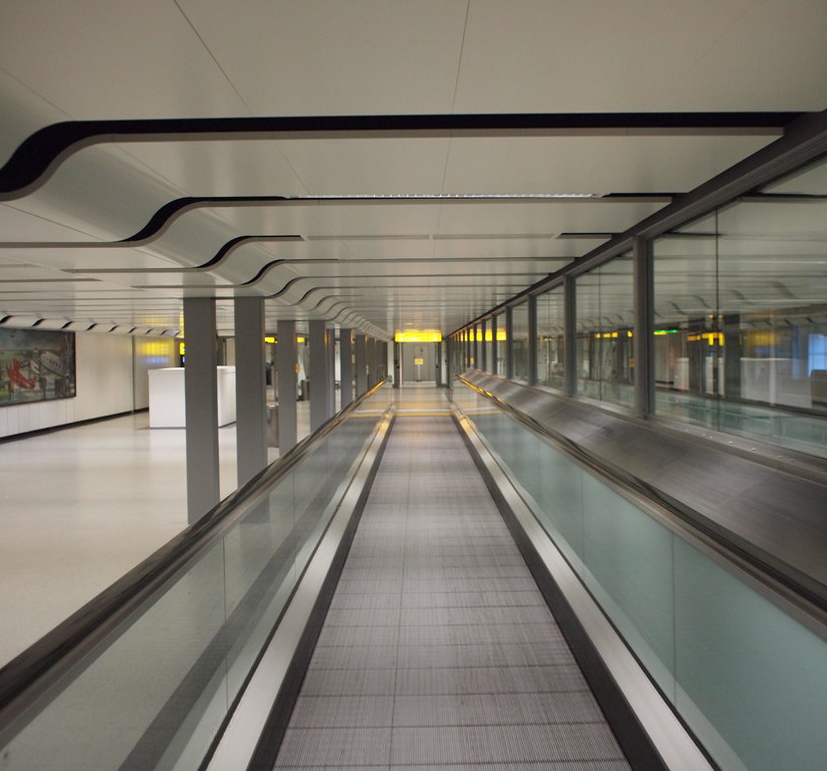 chemical-free travelator cleaning made possible, with dry steam vapour pressure washing, suited to travelators in airports, railway stations and bus depots