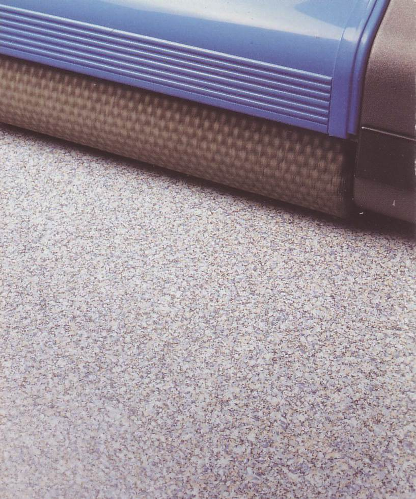 wide span professional cleaning machine, for use on vinyl floors