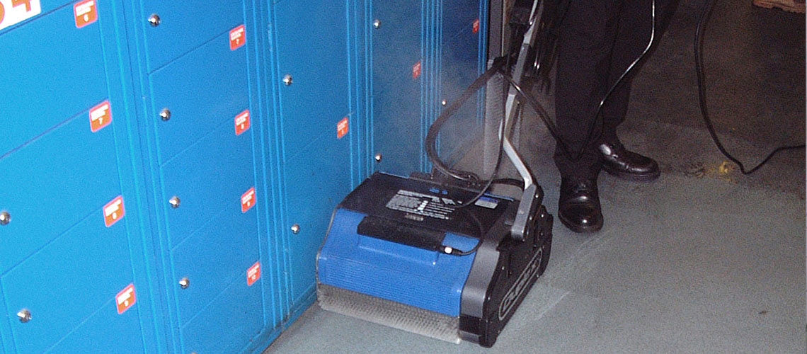 contractor grade school locker room cleaning equipment, uses high pressure steam vapour for complete sanitizing of surfaces and touch points