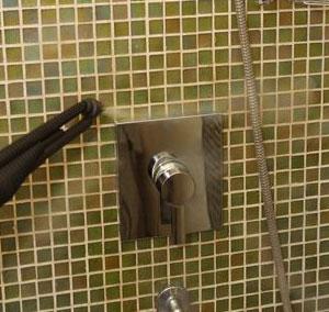 limpieza de paredes del baño