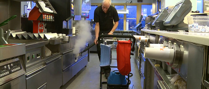 restaurant kitchen and commercial area steam cleaning