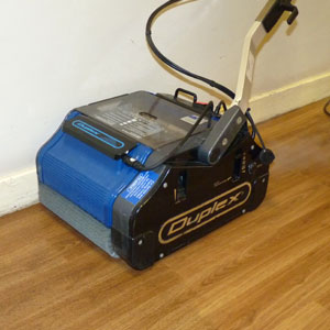 the best, most effective means of cleaning hardwood floors is to use high temperature, pressurised steam vapour
