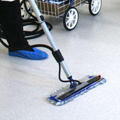 Mini mop head 40cm in action 1