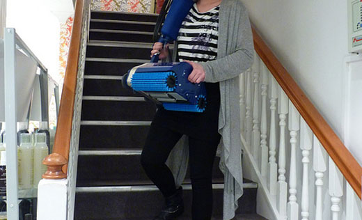 this floor cleaning machine is portable and lightweight- and easy to carry up stairs- making it suitable for large multi-storey homes